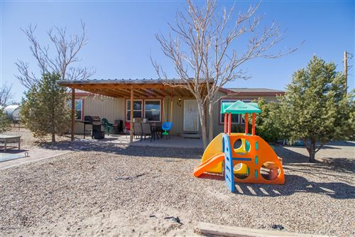 Photo of 212 RAY BARR Road SW, Albuquerque, NM 87105 (MLS # 962092)