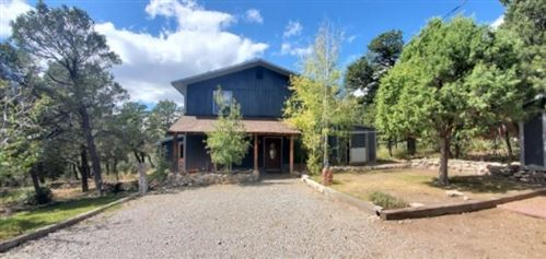 Photo of 216 RAVEN Road, Tijeras, NM 87059 (MLS # 956094)