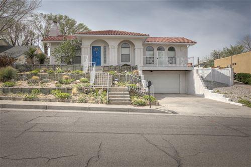 Photo of 904 MATADOR Avenue SE, Albuquerque, NM 87123 (MLS # 986096)