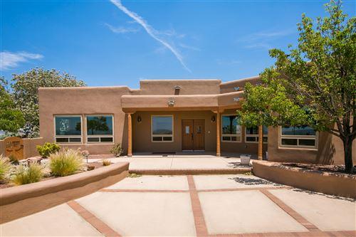 Photo of 10 Third Mesa Court, Placitas, NM 87043 (MLS # 994097)