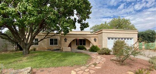 Photo of 3829 CAMINO CAPISTRANO NE, Albuquerque, NM 87111 (MLS # 976108)
