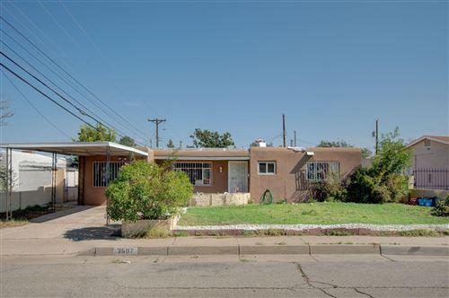 Photo of 3607 HEADINGLY Avenue NE, Albuquerque, NM 87110 (MLS # 974109)