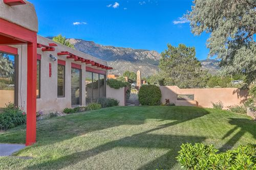 Photo of 11509 WILSHIRE Avenue NE, Albuquerque, NM 87122 (MLS # 976112)