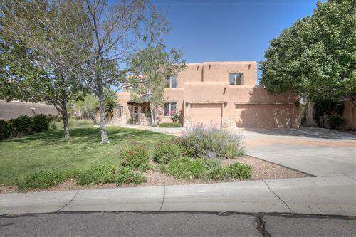 Photo of 8717 ROYAL GLO Drive NE, Albuquerque, NM 87122 (MLS # 994117)