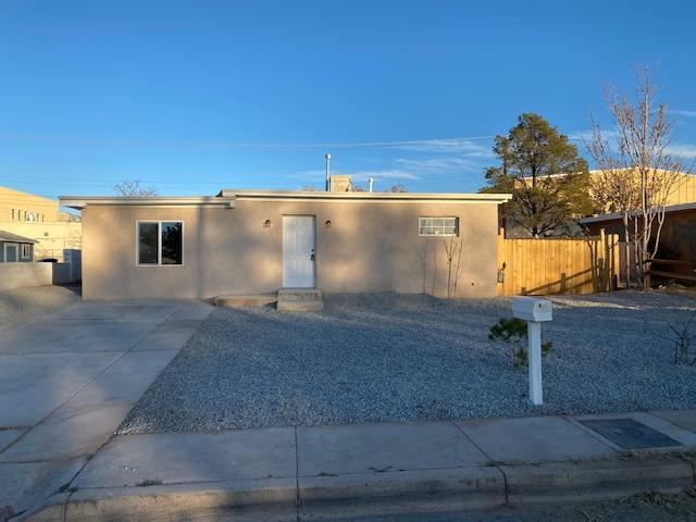 716 56TH Street NW, Albuquerque, NM 87105 - #: 981119