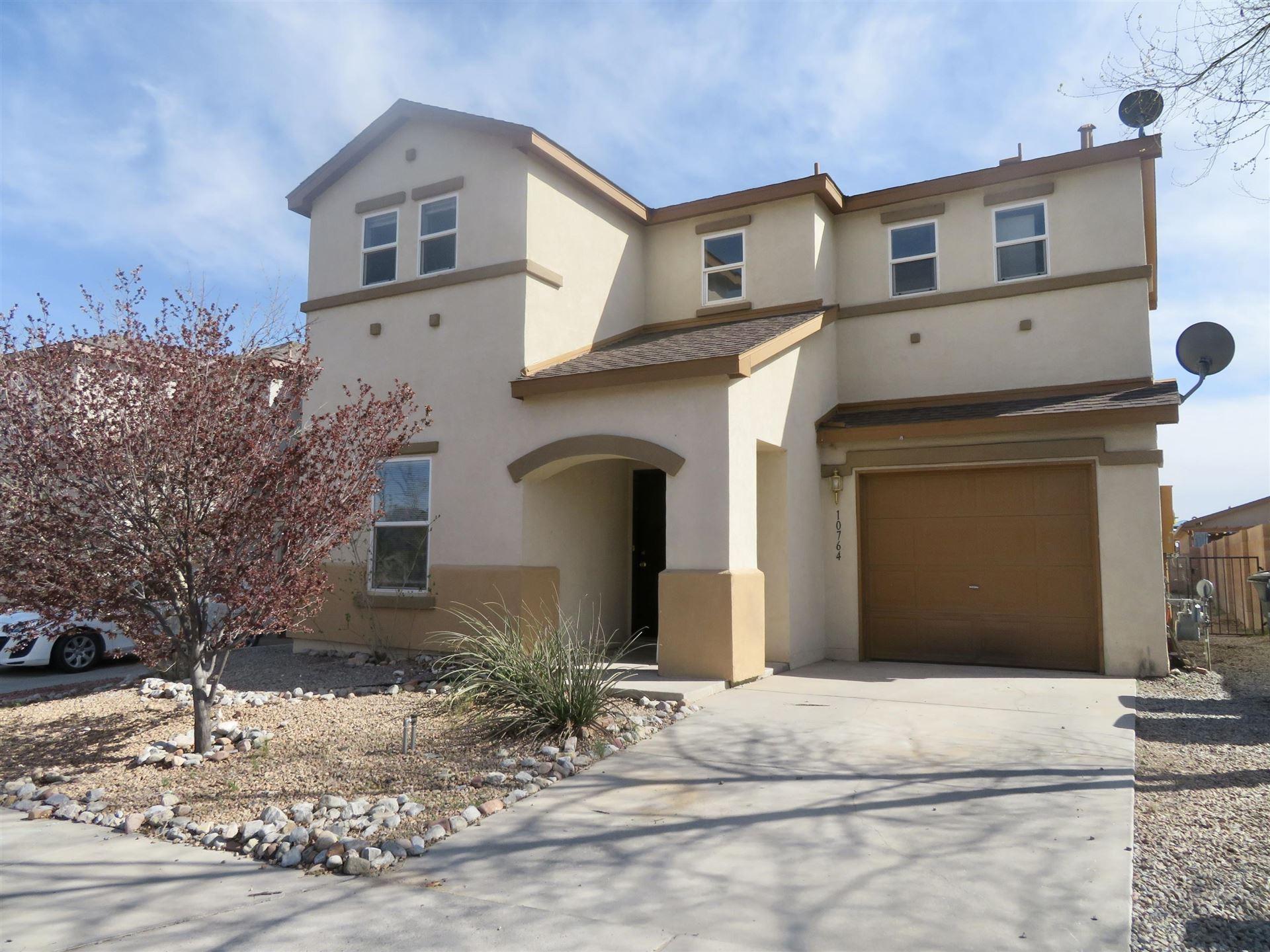 Photo of 10764 GENTRY Lane SW, Albuquerque, NM 87121 (MLS # 984119)