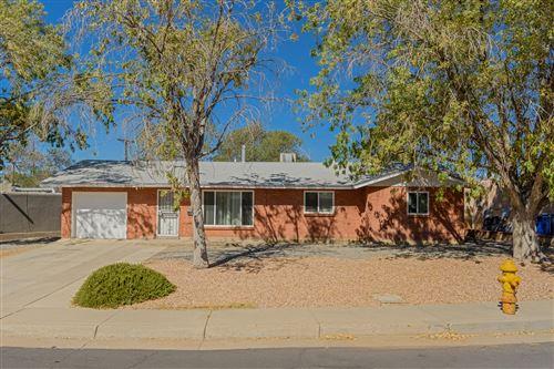 Photo of 2305 STEVENS Drive NE, Albuquerque, NM 87112 (MLS # 976122)