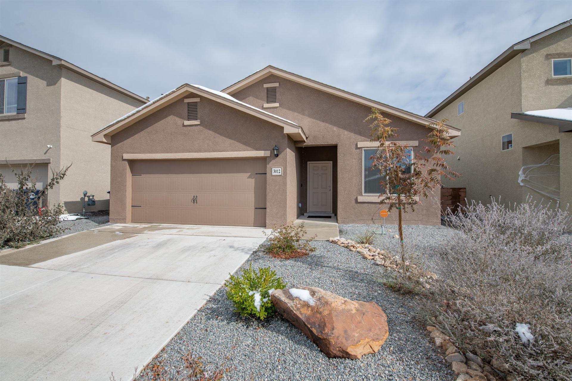 Photo of 3012 PAUZA Drive SW, Albuquerque, NM 87121 (MLS # 980122)