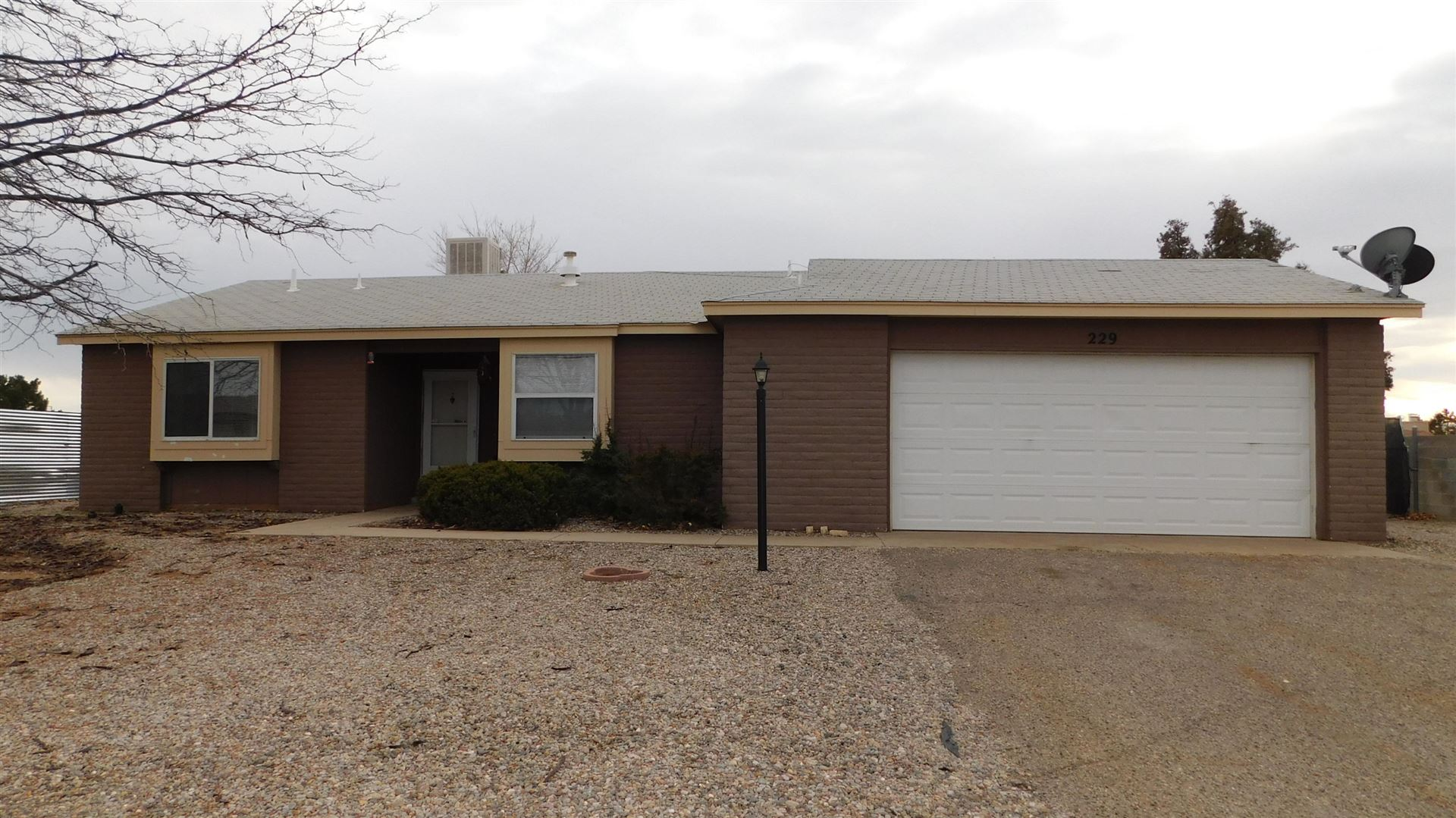 Photo of 229 SOMMERSET Drive SE, Rio Rancho, NM 87124 (MLS # 984134)