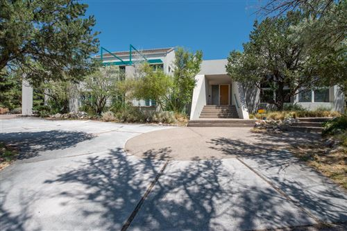 Photo of 1221 ROCKROSE Road NE, Albuquerque, NM 87122 (MLS # 974140)