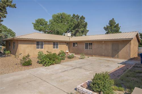 Photo of 6627 Mossman Place NE, Albuquerque, NM 87110 (MLS # 994150)