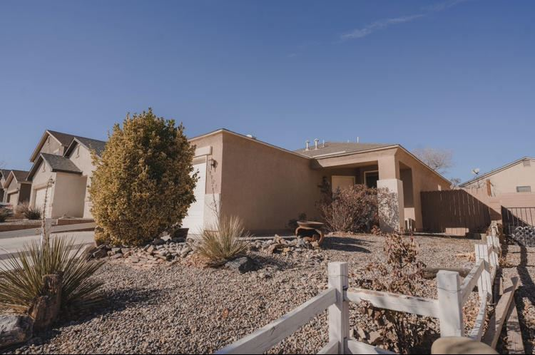 Photo of 10727 CORONA RANCH Road SW, Albuquerque, NM 87121 (MLS # 984152)