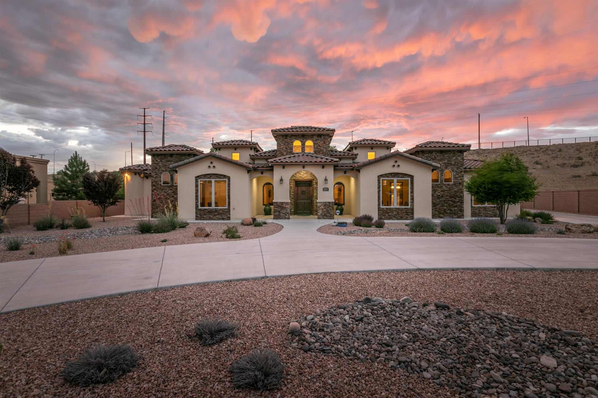 Photo of 9515 LYNDALE Lane NW, Albuquerque, NM 87114 (MLS # 969153)