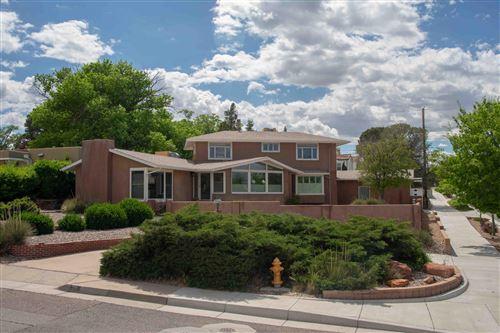 Photo of 301 SOLANO Drive SE, Albuquerque, NM 87108 (MLS # 960161)