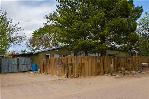 Photo of 153 DANIEL Circle NW, Albuquerque, NM 87107 (MLS # 990169)