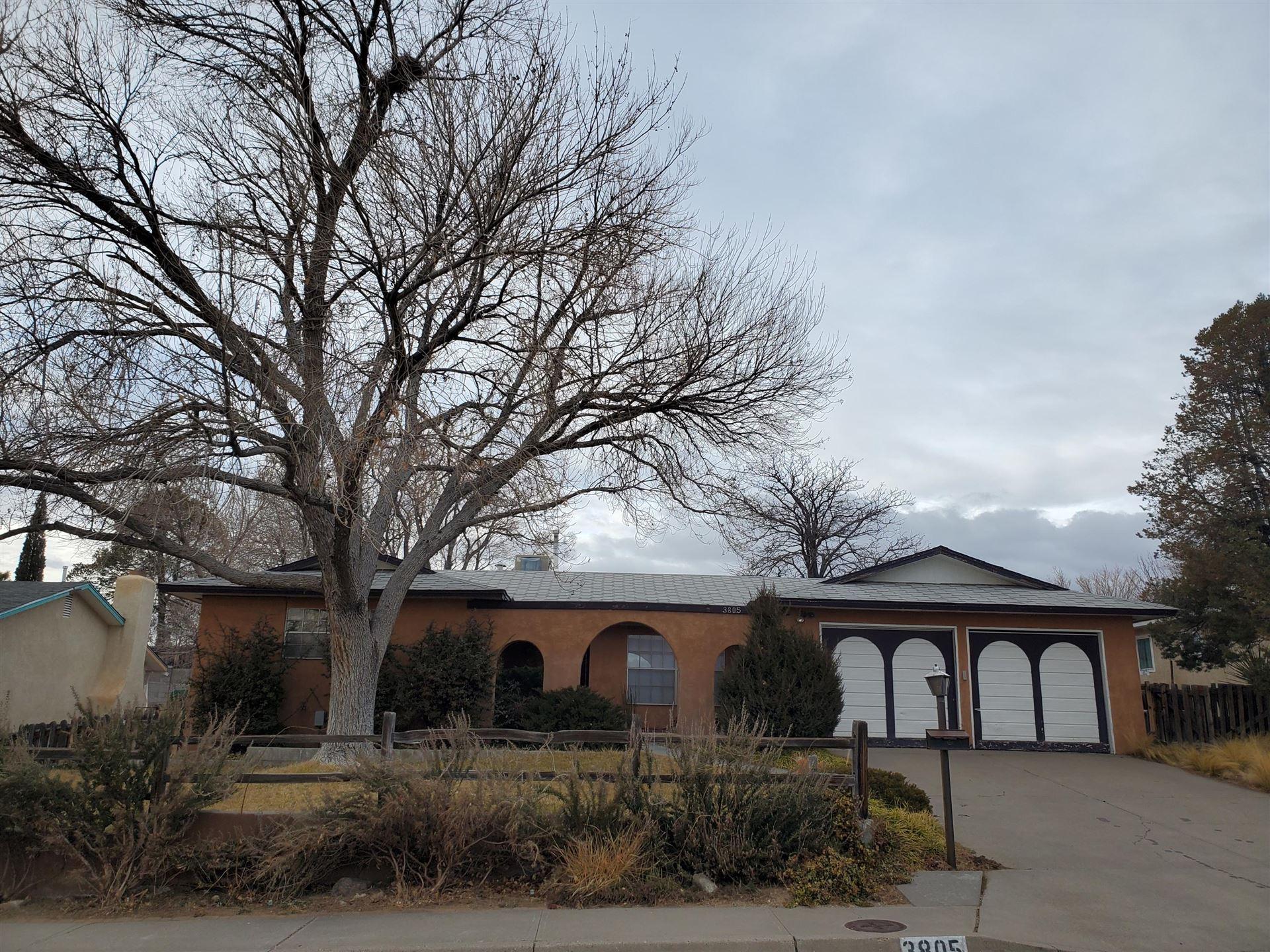 Photo of 3805 Big Bend Road NE, Albuquerque, NM 87111 (MLS # 984170)