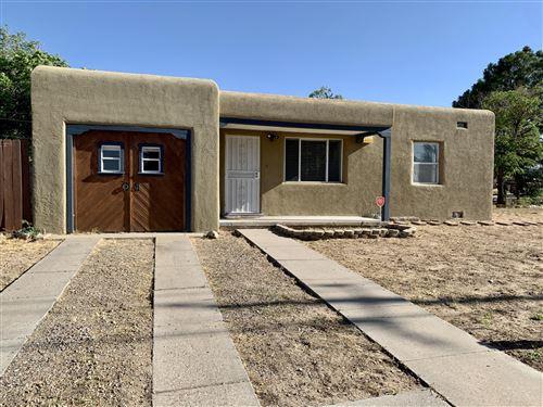 Photo of 500 Val Verde Drive SE, Albuquerque, NM 87108 (MLS # 970173)