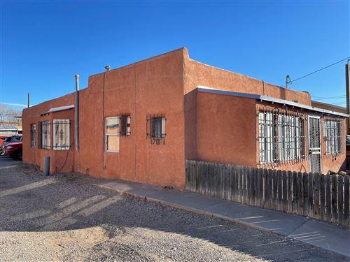 Photo of 1715 Griegos Road NW, Albuquerque, NM 87107 (MLS # 988178)