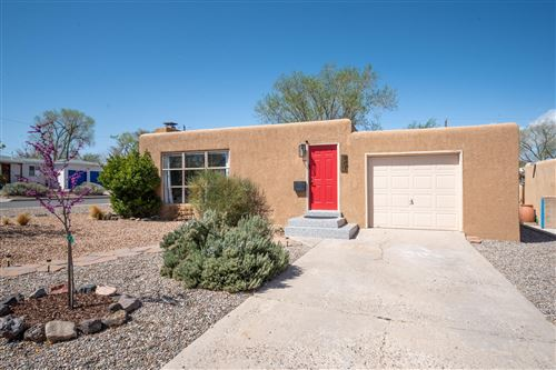 Photo of 801 QUINCY Street NE, Albuquerque, NM 87110 (MLS # 989182)