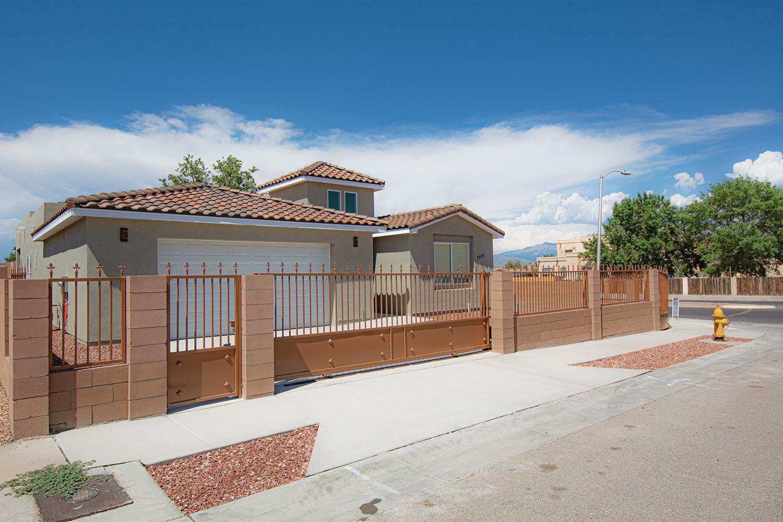 Photo of 7501 CORTE DORADA NW, Albuquerque, NM 87120 (MLS # 994182)