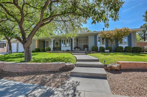 Photo of 4300 CHINLEE Avenue NE, Albuquerque, NM 87110 (MLS # 985186)