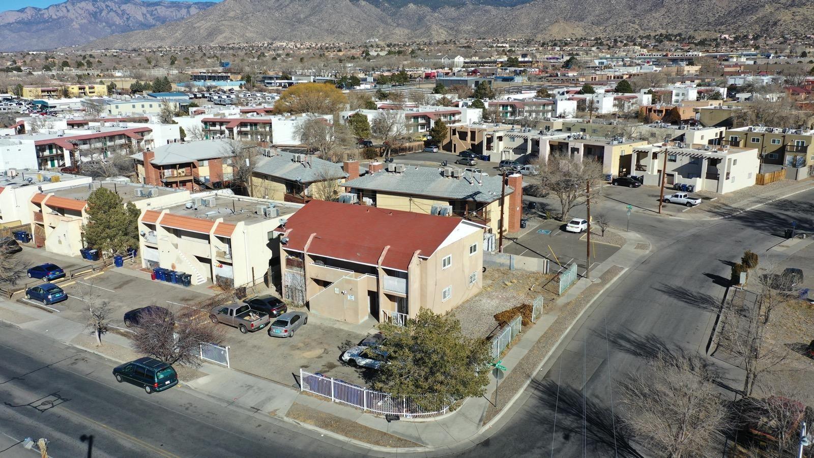 Photo of 312 Western Skies Drive SE, Albuquerque, NM 87123 (MLS # 984188)