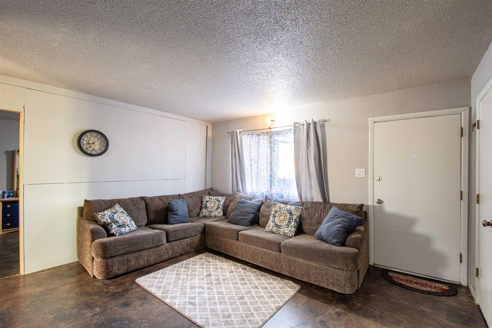 Photo of 317 DOROTHY Street NE, Albuquerque, NM 87123 (MLS # 984192)