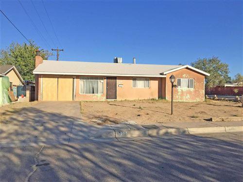 Photo of 3002 VAL VERDE Road NE, Albuquerque, NM 87110 (MLS # 979195)