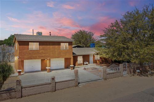 Photo of 5500 WINCHESTER Road SW, Albuquerque, NM 87121 (MLS # 990195)