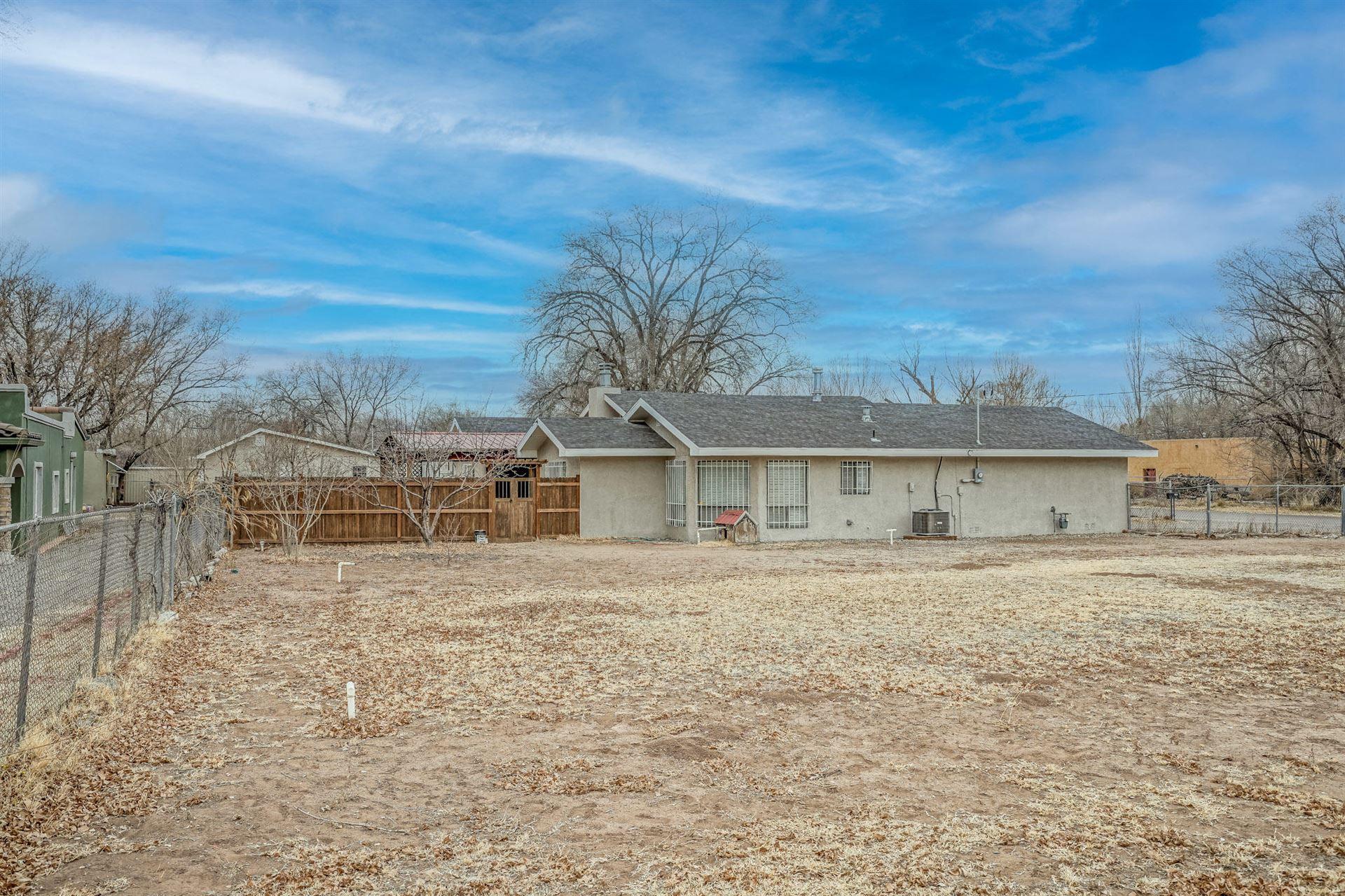 Photo of 2400 CLOVER Lane SW, Albuquerque, NM 87105 (MLS # 984196)