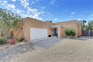 Photo of 2332 Campbell Road NW, Albuquerque, NM 87104 (MLS # 952213)