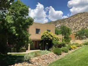 Photo of 2900 Vista Del Rey NE #24B, Albuquerque, NM 87112 (MLS # 972215)