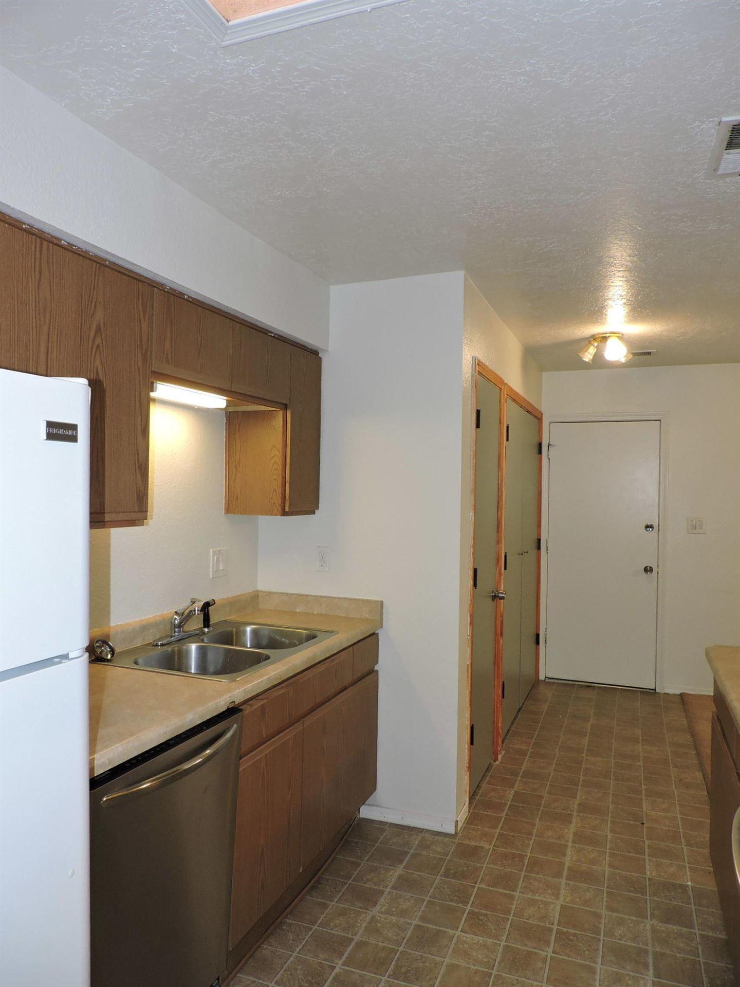 Photo of 810 ARCTURUS Avenue SE, Rio Rancho, NM 87124 (MLS # 963215)
