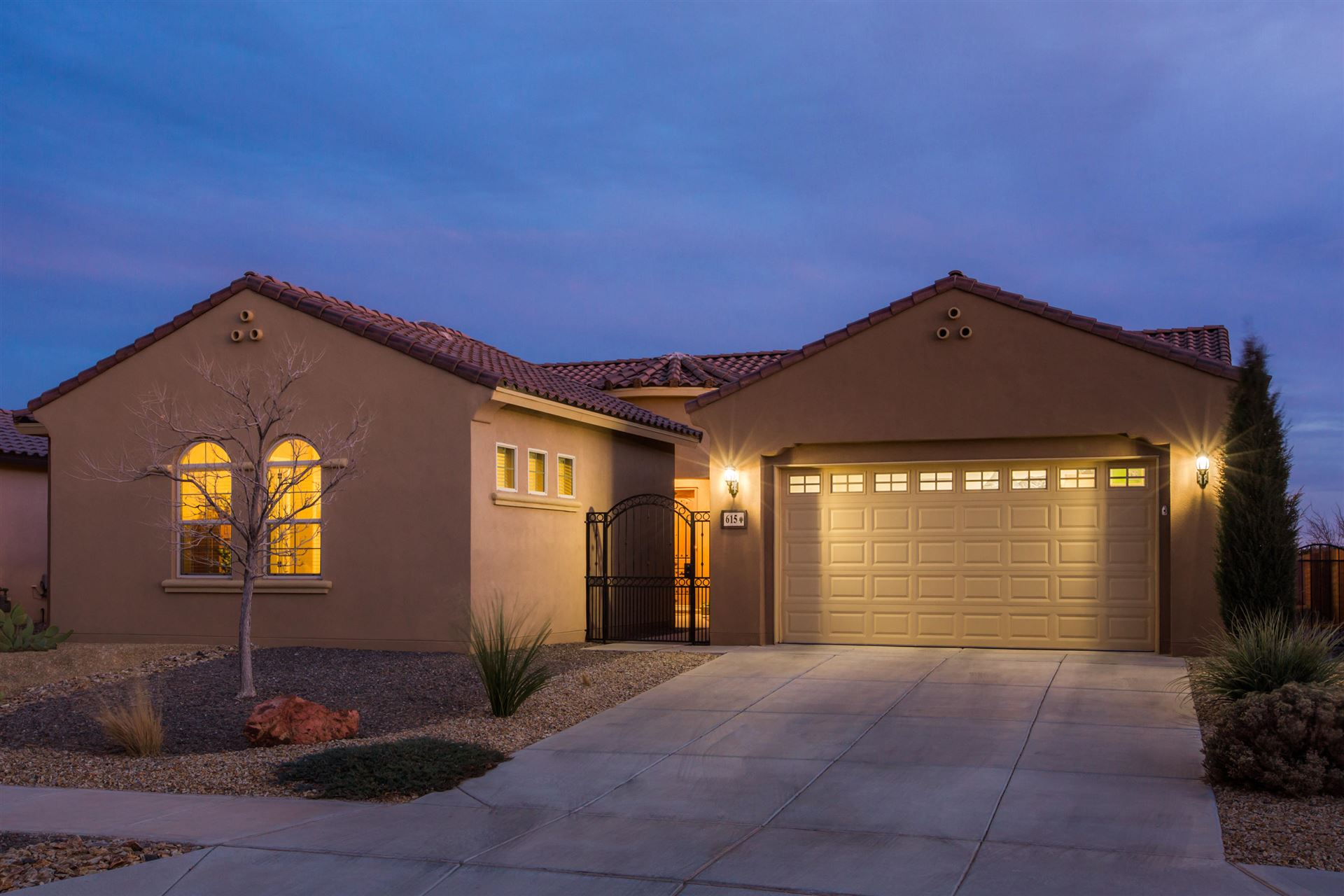 615 Vista Este Trail NE, Rio Rancho, NM 87144 - MLS#: 987225
