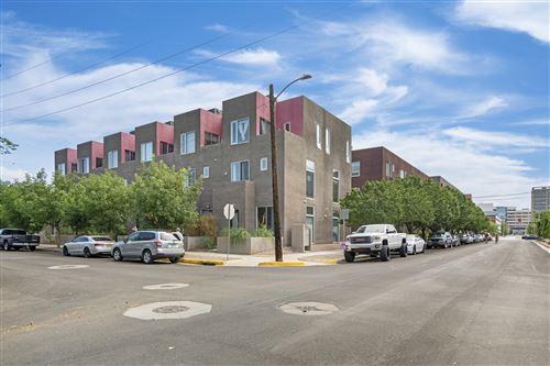 Photo of 877 Silver Avenue SW, Albuquerque, NM 87106 (MLS # 997228)