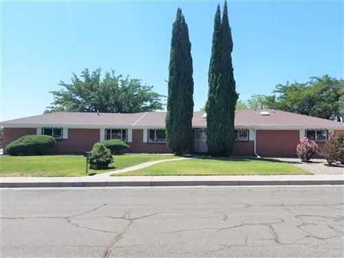Photo of 1001 CASA GRANDE Court NE, Albuquerque, NM 87112 (MLS # 976231)