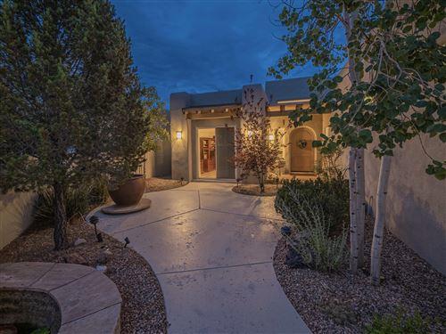 Photo of 12700 SANDIA RIDGE Place NE, Albuquerque, NM 87111 (MLS # 996231)