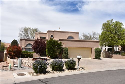 Photo of 5401 Avenida Cuesta NE, Albuquerque, NM 87111 (MLS # 942233)