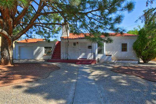 Photo of 4033 Smith Avenue SE, Albuquerque, NM 87108 (MLS # 974235)
