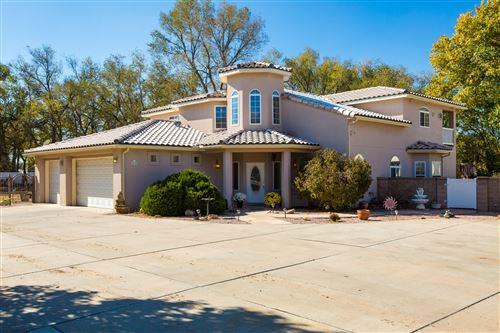 Photo of 230 LA CIENEGA Lane NW, Albuquerque, NM 87107 (MLS # 980236)