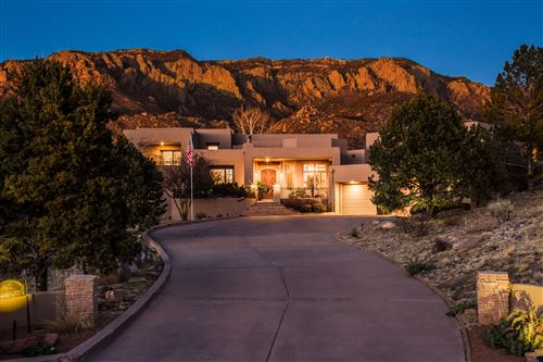 Photo of 1527 EAGLE RIDGE Drive NE, Albuquerque, NM 87122 (MLS # 987238)