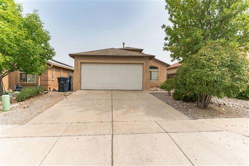 Photo of 10012 RAWHIDE Avenue SW, Albuquerque, NM 87121 (MLS # 997249)