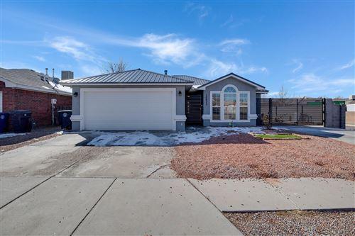 Photo of 10420 HACKAMORE Place SW, Albuquerque, NM 87121 (MLS # 986254)