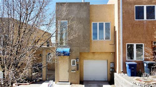 Photo of 405 RIDGE Circle NE #B, Albuquerque, NM 87106 (MLS # 987256)
