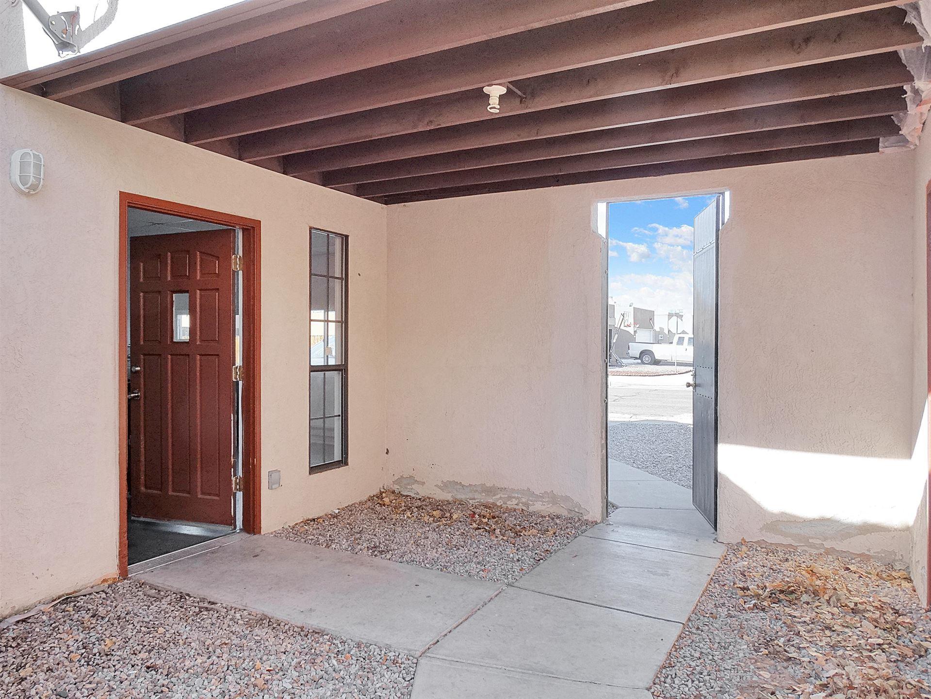 Photo of 4024 67TH Street NW, Albuquerque, NM 87120 (MLS # 986259)
