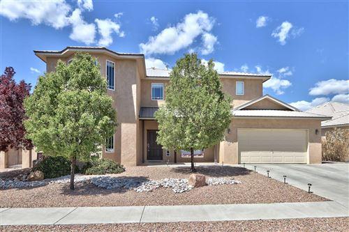 Photo of 811 CALLE ENCINA NE, Albuquerque, NM 87113 (MLS # 990261)