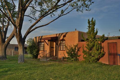 Photo of 200 Madison Street NE, Albuquerque, NM 87108 (MLS # 978263)