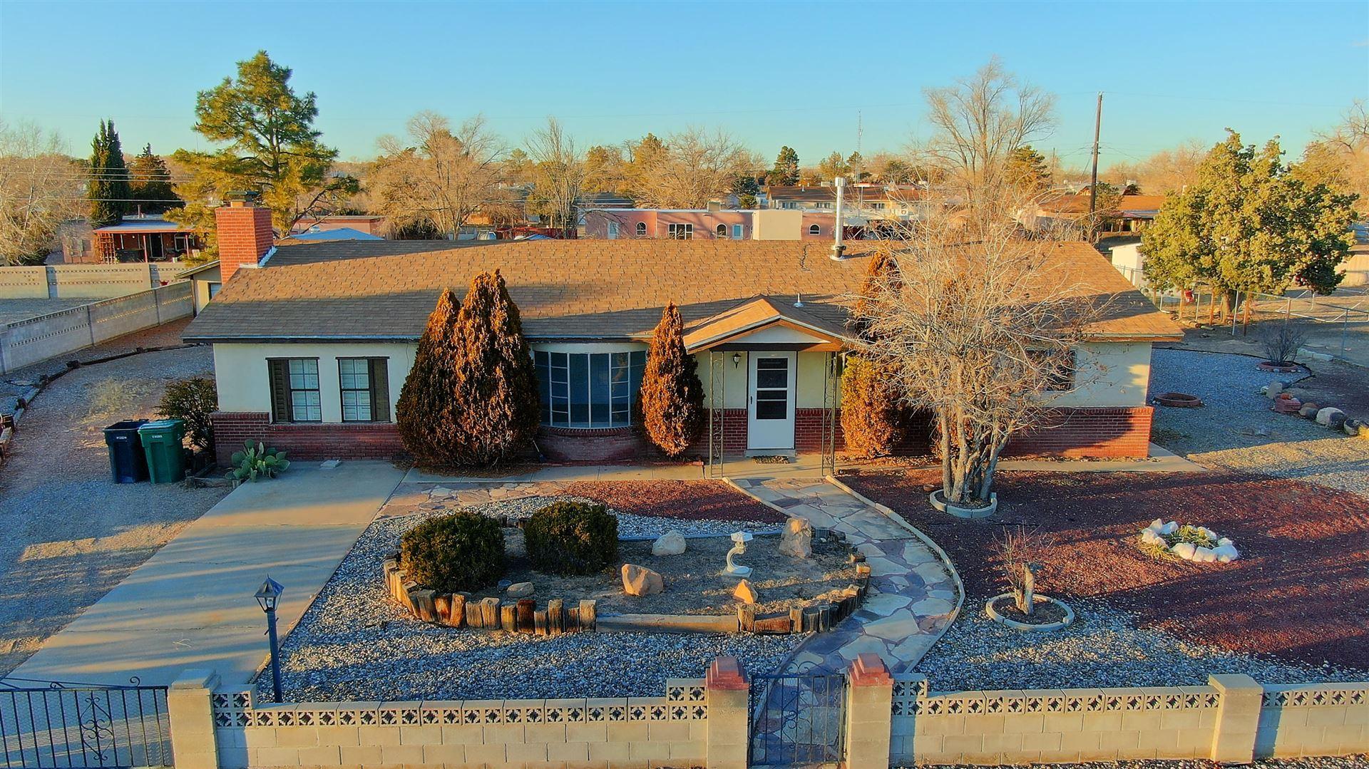 Photo of 3605 34TH Circle SE, Rio Rancho, NM 87124 (MLS # 960275)