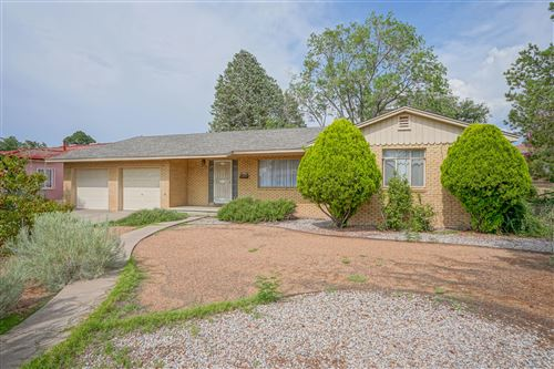 Photo of 732 MORNINGSIDE Drive NE, Albuquerque, NM 87110 (MLS # 997284)