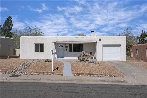 Photo of 1415 MANZANO Street NE, Albuquerque, NM 87110 (MLS # 989291)